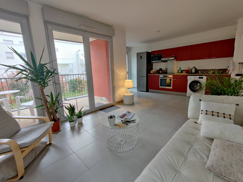 Appartement avec terrasse - Proche IUT